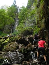 urcarea din vale