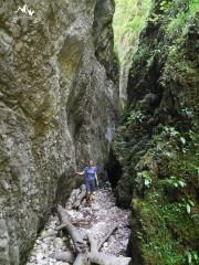 11.tunelul din canion