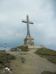 ajunsi la Crucea Caraiman