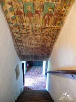 scara spre etaj