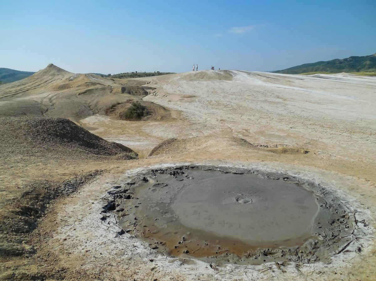 Vulcanii noroioși – Pâclele Mari și Pâclele Mici